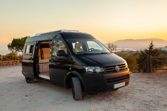 Cámper-Volkswagen T5 Black Label