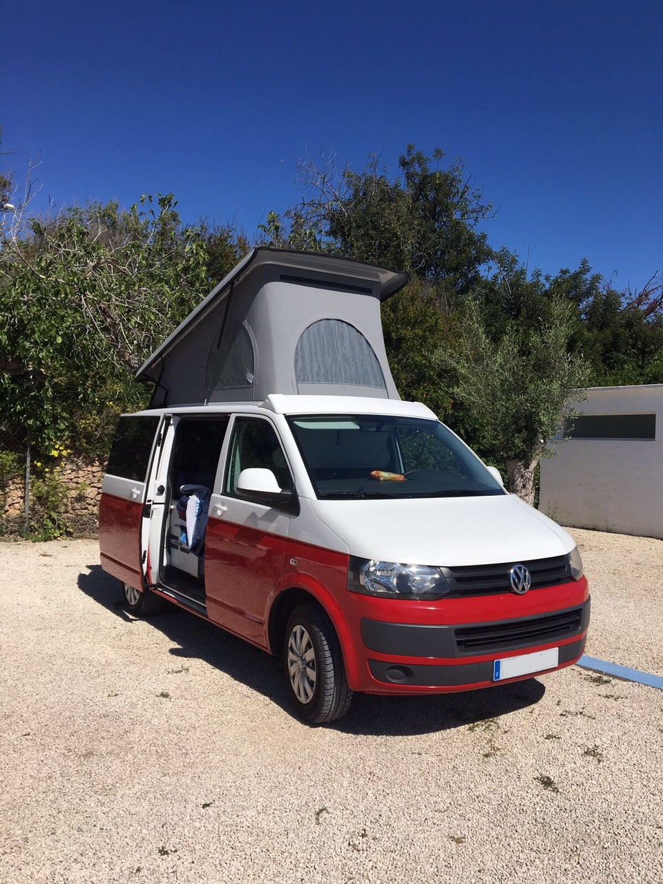 Volkswagen-T5 RED...